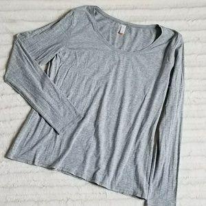 Lucy Long Sleeved T-Shirt (Sz XL)